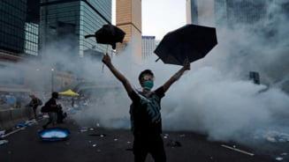 """Protest la Hong Kong: """"Revolutia umbrelelor"""" si o data limita pentru Guvern (Video)"""