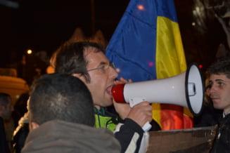 Protest la Ministerul Culturii pentru demisia lui Puiu Hasotti