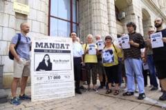 Protest la Ministerul Justitiei: Comunitatea Declic a dus o petitie in care se cere desfiintarea Sectiei Speciale (Video)