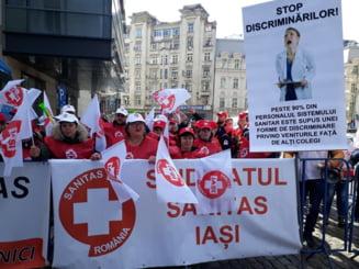 Protest la Ministerul Sanatatii: Si-au batut joc cu Legea Salarizarii si OUG 114. In aprilie, facem un miting urias