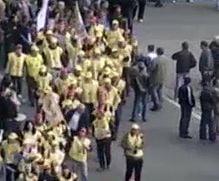"""Protest la Parlament - """"Sa vina vaporul sa ia dictatorul"""""""