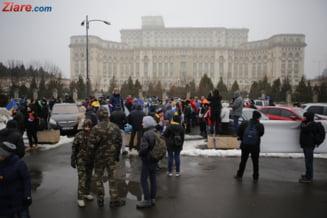 Protest la Parlament: Revolutia generatiei noastre 2.0 (Galerie foto)