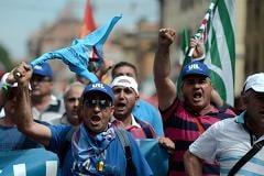 Protest la Roma: Zeci de mii de italieni, nemultumiti de somajul record