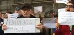 Protest la sediul DNA fata de revocarea din functie a doi procurori