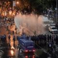 """Protest la trei ani după ce Jandarmeria a gazat manifestanții din Piața Victoriei: """"Vrem vinovații pentru 10 August 2018"""""""