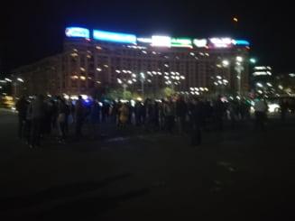 Protest miercuri seara in Piata Victoriei, dupa declansarea procedurii de revocare a lui Augustin Lazar UPDATE