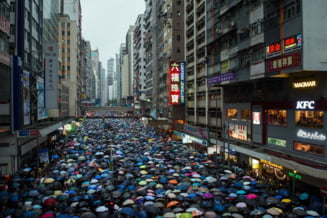 Protest pasnic urias la Hong Kong, pentru a demonstra Chinei ca nu are de ce sa intre cu tancurile