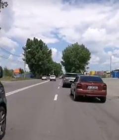 Protest pe Centura Galatiului: oamenii au cerut trotuare si asfaltarea soselei. 37 de accidente cu victime au avut loc