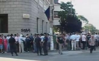 Protest spontan la RATB - Vezi ce trasee sunt blocate (Video)