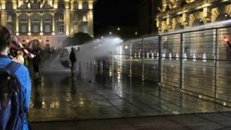 Protest violent împotriva certificatului sanitar într-una dintre cele mai civilizate țări din Europa. Doar 54 la sută din populație e vaccinată complet
