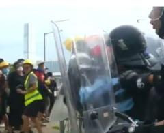 Protest violent la Hong Kong in ziua aniversarii reintoarcerii la China (Video&Foto)