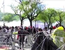 Protestatari alungati cu tunuri de apa si gloante de cauciuc, la Bangkok
