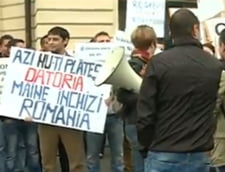 Proteste ale beneficiarilor POSDRU la Guvern: Platiti-va datoria, noi refacem Romania!