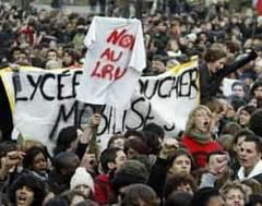 Proteste ale studentilor si liceenilor din Franta