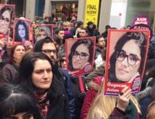 Proteste ample in Turcia fata de uciderea unei tinere studente: Mii de femei au iesit in strada