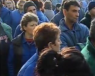 Proteste cu imbranceli la Oltchim - 5 muncitori in greva foamei