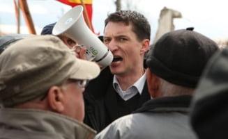 Proteste cu incidente la Brasov: Sustinatorii lui Iohannis si cei ai lui Ponta au iesit in strada