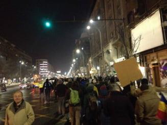 Proteste cu violente in Bucuresti: Imbranceli cu jandarmii, manifestantii se indreaptau spre Guvern - Update
