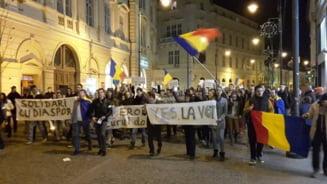 "Proteste de solidaritate cu ""cozile umilintei"": Unde si cand ies romanii in strada duminica"