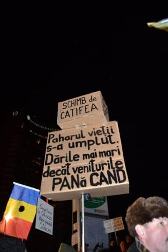 Proteste in Piata Universitatii - De ce s-au trezit romanii atat de tarziu?