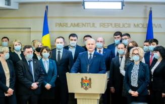 Proteste in Republica Moldova dupa demiterea unui judecator al Curtii Constitutionale. Tensiunea este maxima peste Prut in urma actiunii deputatilor pro-rusi controlati de Igor Dodon