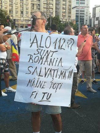 """Proteste in mai multe localitati din tara: """"Pentru Alexandra. Impotriva unui stat nepasator!"""""""