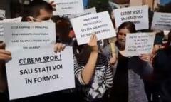 Proteste in spitale: Cerem spor sau stati voi in formol! Noi suntem scumpi? Nu stiti cat costa un incompetent!
