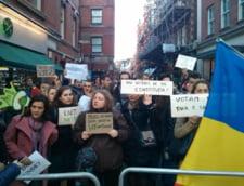 Proteste in tara si-n afara - Diaspora cere sa voteze cu demnitate: Ghinion, am trezit tara din somn!