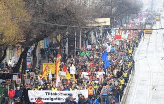 "Proteste la Budapesta fata de ""legea sclaviei"": Oblig-o pe maica-ta sa faca ore suplimentare!"