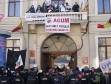 Proteste la Cluj, fata de Legea minelor. Manifestantii au ocupat sediile partidelor
