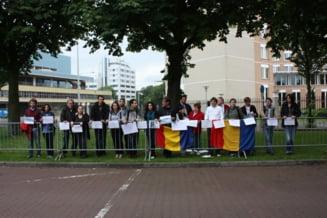 Proteste la Haga fata de situatia politica din Romania