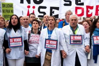 Proteste la Madrid: 10.000 de angajati din sistemul sanitar sunt in strada