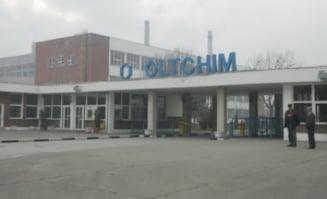 Proteste la Oltchim - 20 de angajati in greva foamei