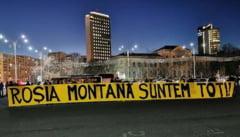 Proteste la sediile PNL: Rosia Montana este in mainile voastre, locul ei este in UNESCO! (Foto)