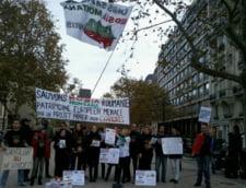 Proteste pentru Rosia Montana, la Paris: Rosii pentru ambasadorul Romaniei la UNESCO