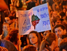 Proteste pentru Rosia Montana, ziua 4 - Imbranceli cu jandarmii, trafic blocat, muzica si poezie