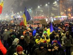 Proteste uriase in toata tara. Zeci de mii de oameni au spus NU gratierii, Iohannis a venit la Universitate (Galerie foto & Video)