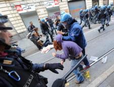 Proteste violente ale elevilor si studentilor din Italia: Sase politisti raniti