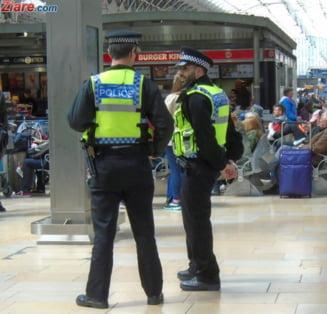 Proteste violente in Londra, dupa ce un tanar de culoare a fost ucis: 6 politisti raniti