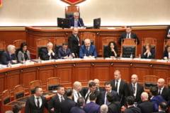 Proteste violente in fata Parlamentului din Albania