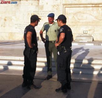 Proteste violente la Atena: Greci satui de austeritate, sticle incendiare si gaze lacrimogene UPDATE (Foto)