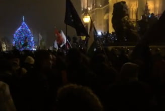Protestele continua la Budapesta fata de Legea sclaviei. Ciocniri violente intre manifestanti si politisti (Video)