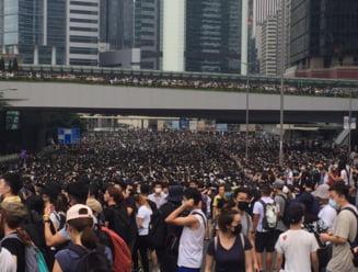 Protestele din Hong Kong au inregistrat o prima victorie. Ce a facut Parlamentul
