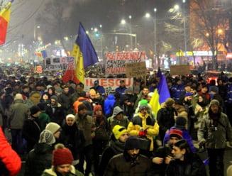 Protestele fata de ordonantele pe Justitie continua: Marti seara se iese din nou in Piata Universitatii