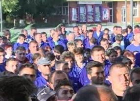 Protestele la Oltchim continua: Angajatii cer demisia liderului de sindicat
