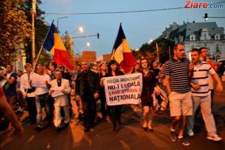 Protestele revin la Universitate: Sute de persoane s-au adunat in centrul Capitalei