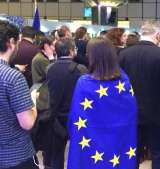 Protestele romanilor, prezentate Parlamentului European: Vrem justitie, nu coruptie! Vrem sa traim in lumina! (Galerie foto & Video)