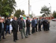 Protestul Rosia Montana de la Iasi, ascuns de Victor Ponta de politisti in civil