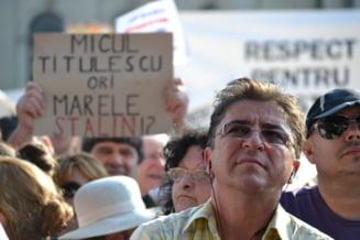 Protestul alb al PDL, in imagini