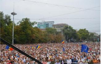 Protestul de la Chisinau a devenit violent: Arestati si raniti